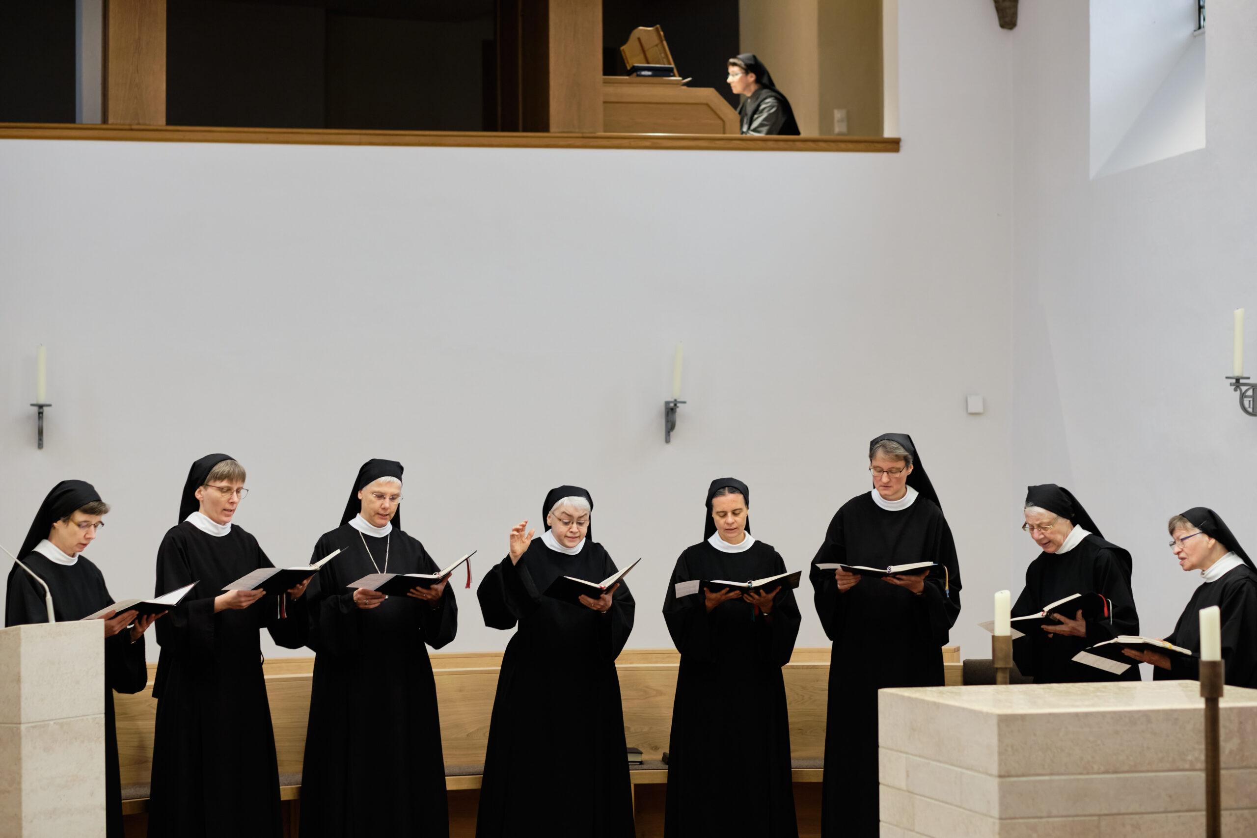 Abtei vom Heiligen Kreuz, Herstelle.