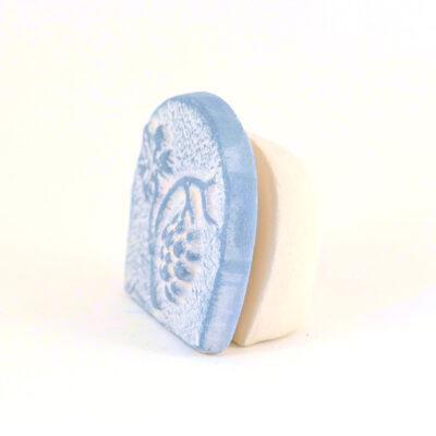 Kartenhalter Traube weiß Keramik seitlich